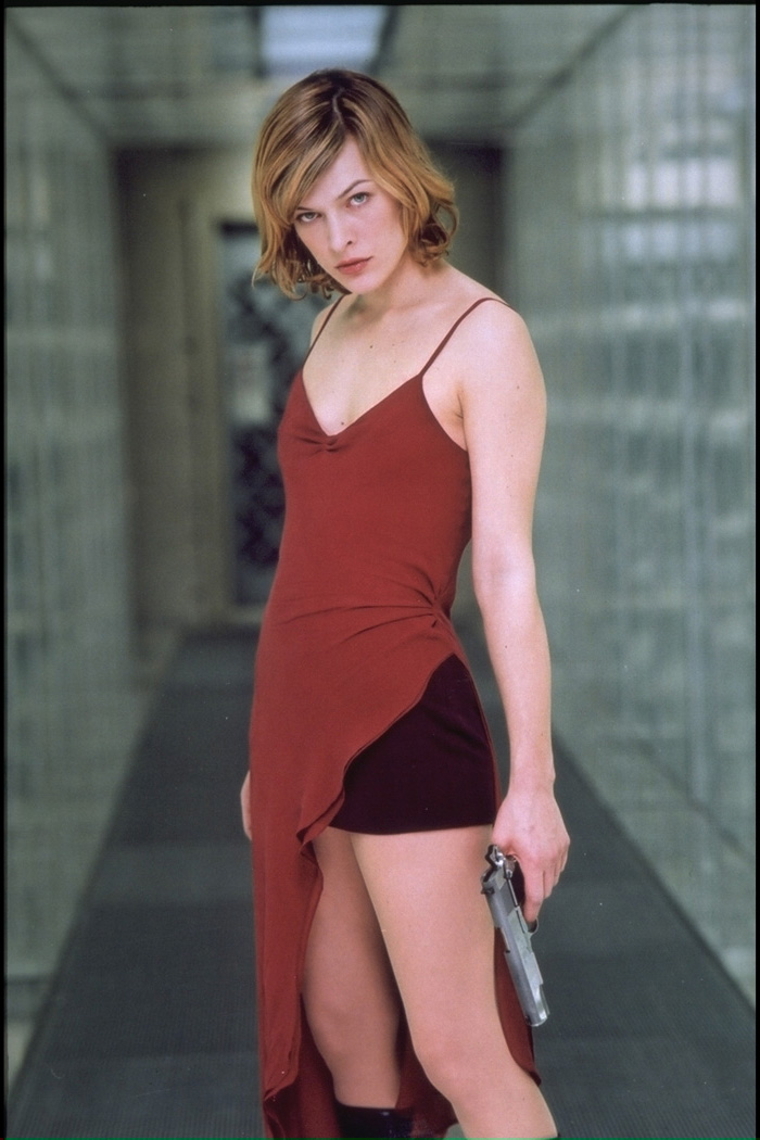 Milla-Jovovich-Resident-Evil-Red-Dress-2