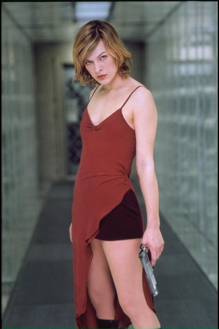 Milla-Jovovich-Resident-Evil-Red-Dress-2