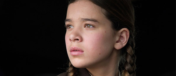 Hailee Steinfeld True Grit >> Hailee Steinfeld May Play Petra Arkanian In Ender's Game Movie | Giant Freakin RobotGiant ...