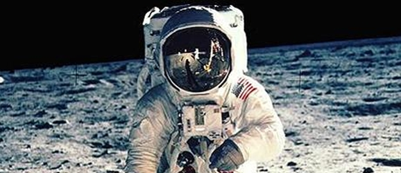 Warner Bros. Developing A Movie About The Apollo 11 ...
