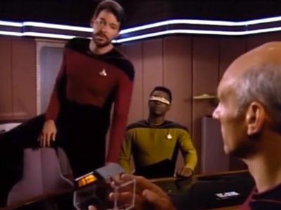 Jonathan Frakes Riker William Riker Sits Cro...