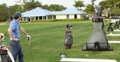 Jeff The Golf Playing Robot