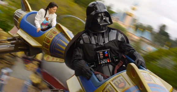 darth-vader-at-disneyland
