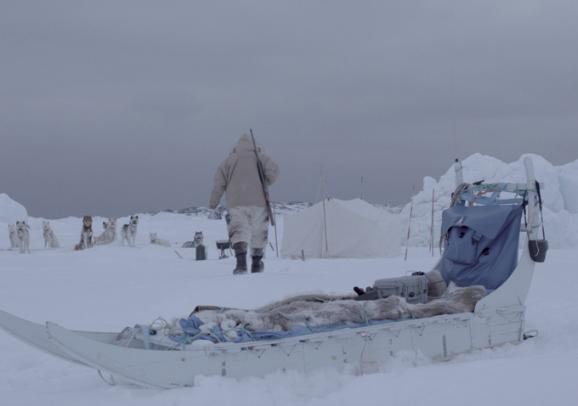jonas-cuaron-aningnaaq-gravity-02