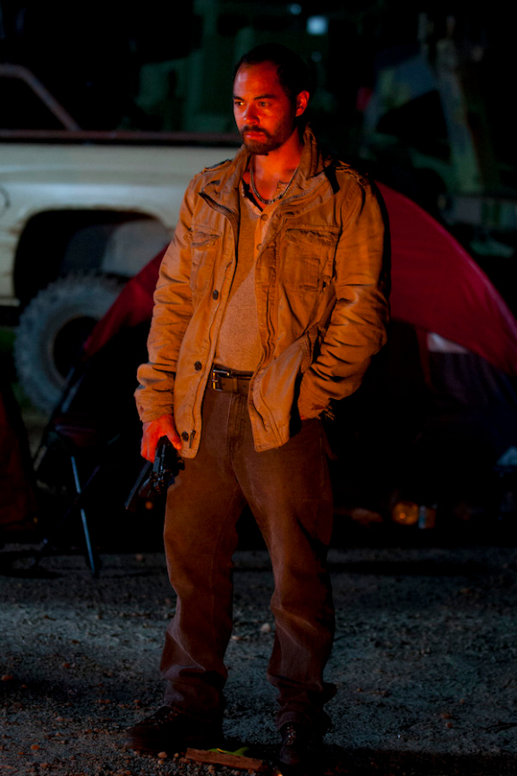 the-walking-dead-season-four-live-bait-02