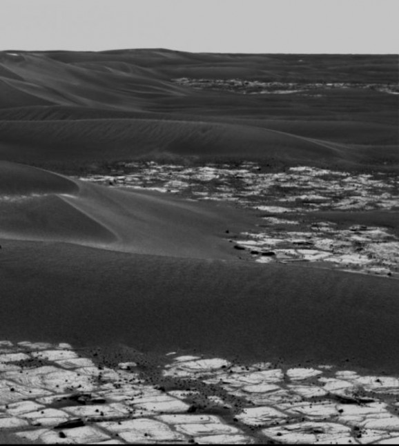 Erebus crater and surrounding drifts