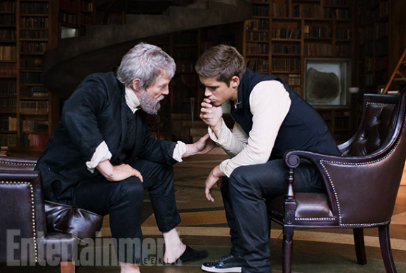 the-giver-first-look-ew-01