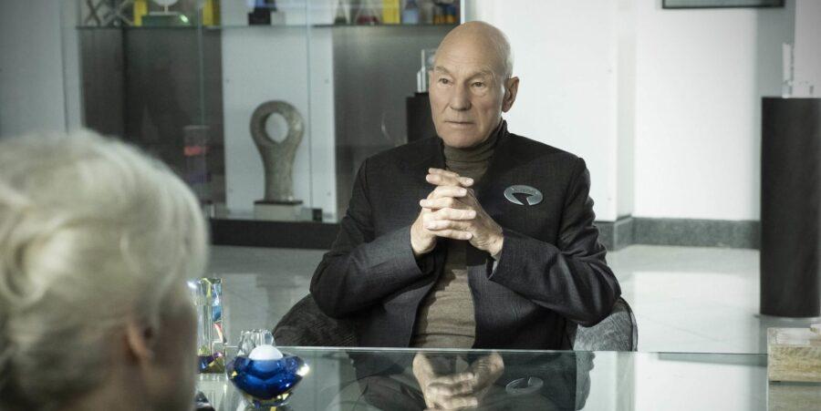 Patrick Stewart visits Starfleet