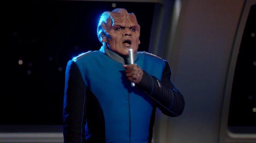 Bortus sings in season 3