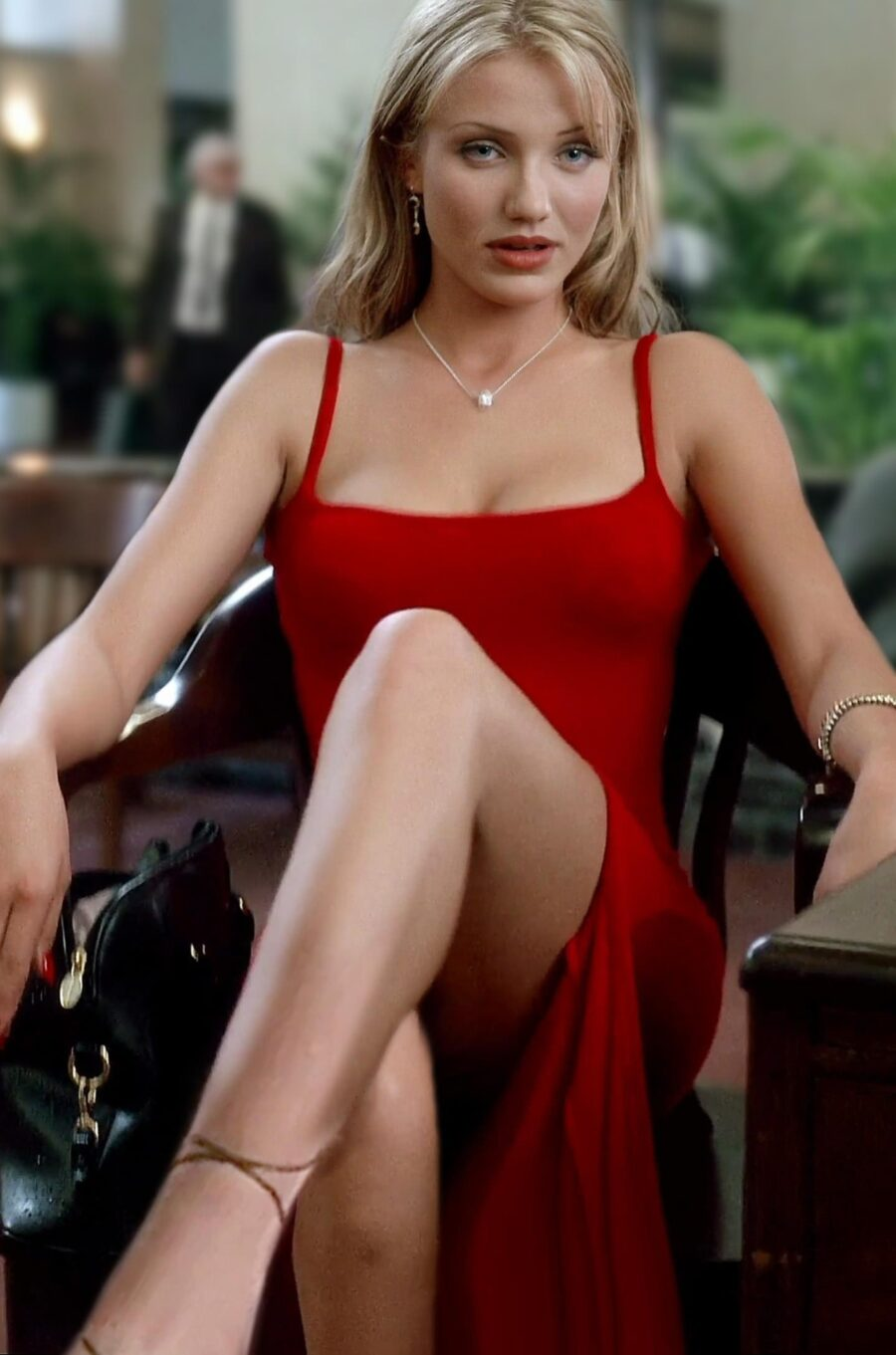 Sexy Cameron Diaz in The Mask
