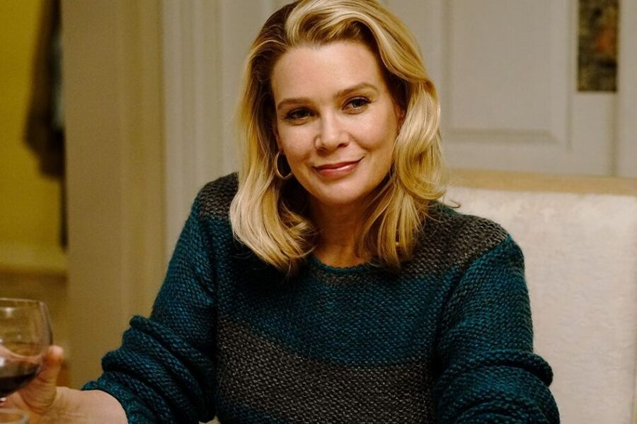 Laurie Holden: From Walking Dead To Real-Life Hunter Of