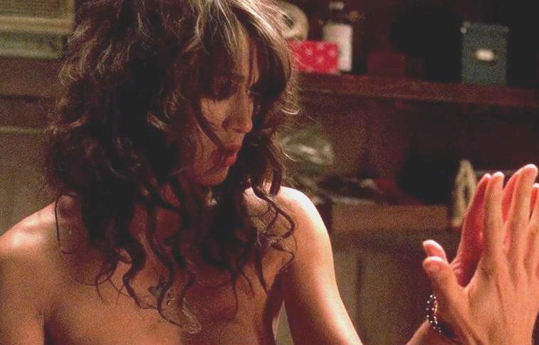 Lizzy Caplan nudity