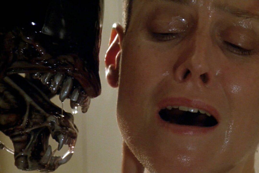 Alien Sigourney Weaver