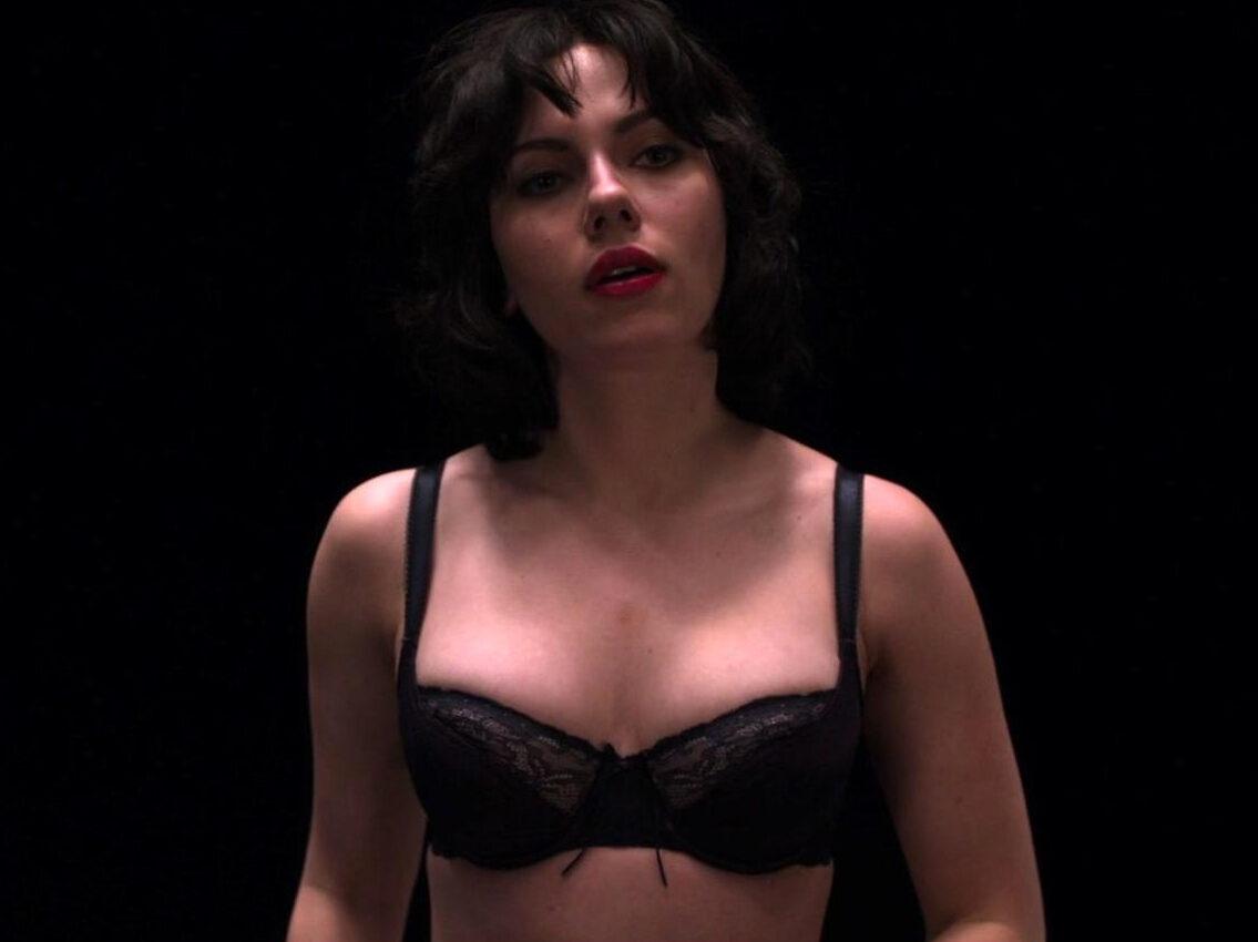 Scarlett Johansson naked
