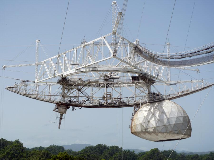 arecibo telescope goldeneye