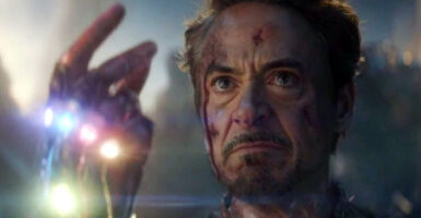 iron man snap infinity gauntlet endgame robert downey jr