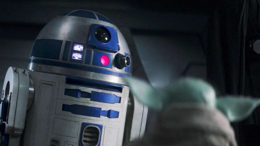 r2-d2 red