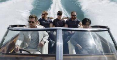 Escape From Spiderhead Chris Hemsworth Miles Teller