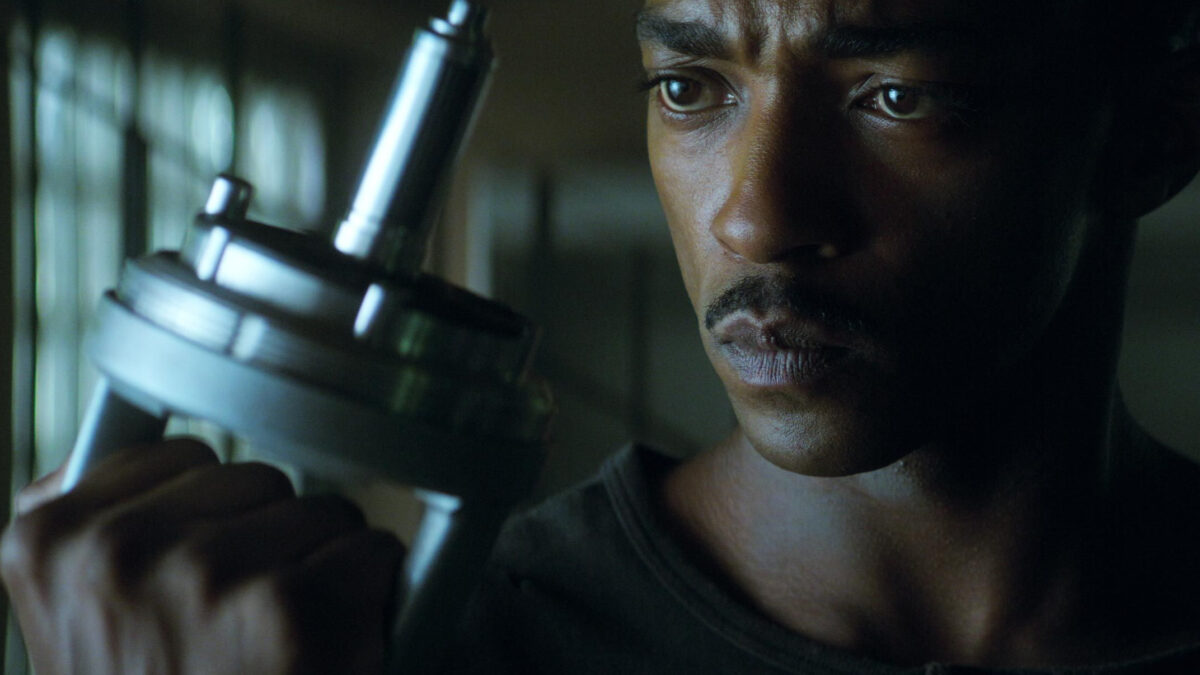 outside the wire anthony mackie 2